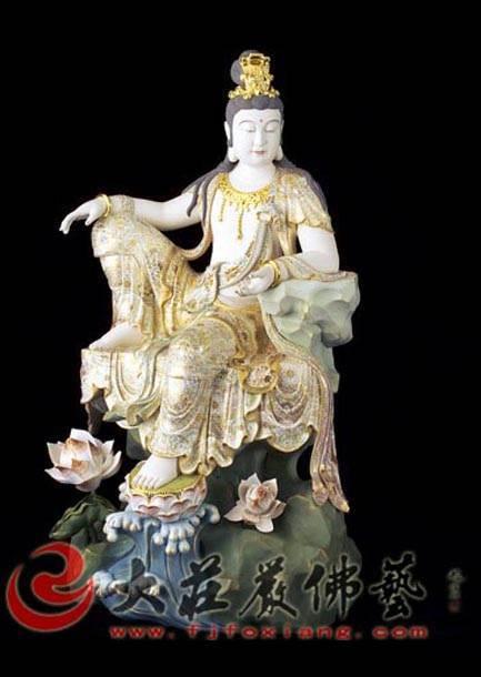 铜雕青颈观音彩绘描金塑像